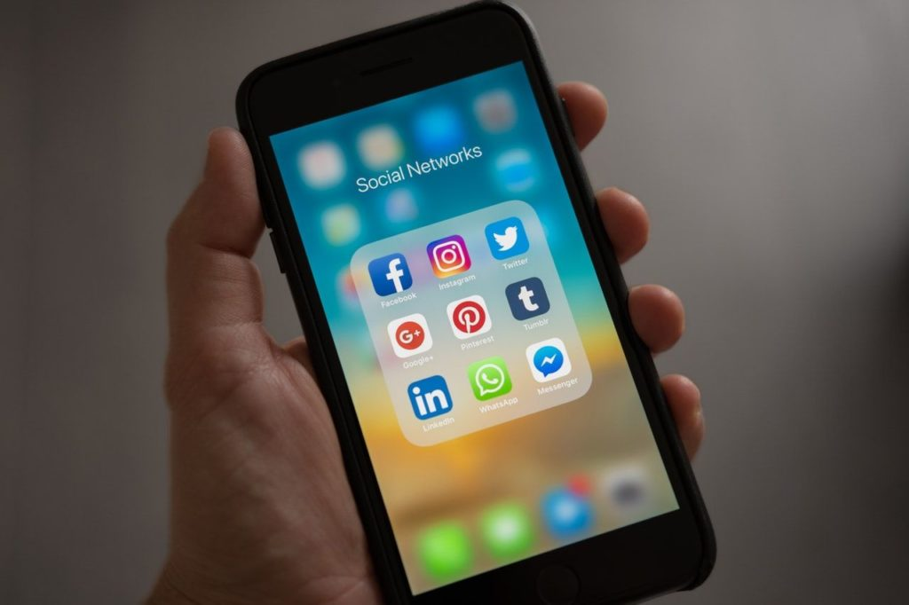 Using Social Media For Customer Service | Kanuka Digital